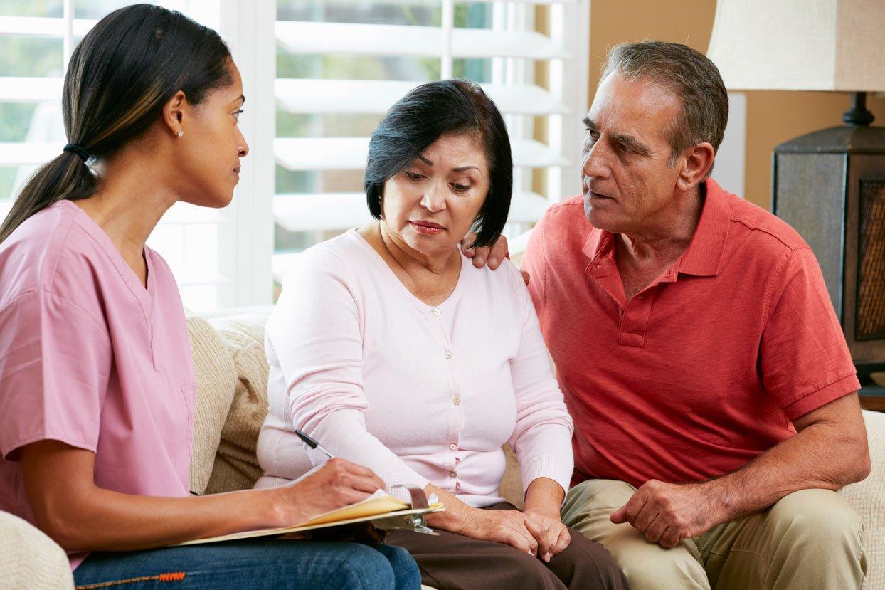 Caregiver providing in home senior care Dallas Fort Worth area